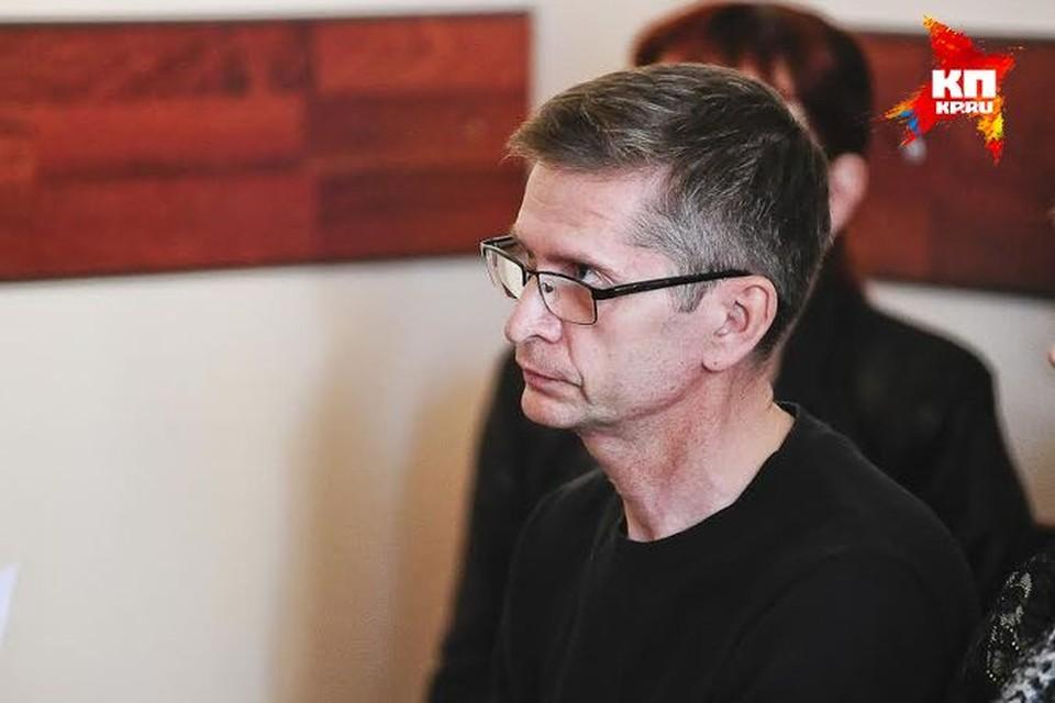 Суд сегодня огласил показания, которые Вотяков давал еще во время следствия. На суде от допроса он отказался.