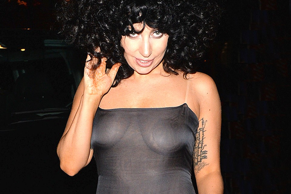 В Бельгию Леди Гага прилетела, чтобы презентовать свою очередную работу.
