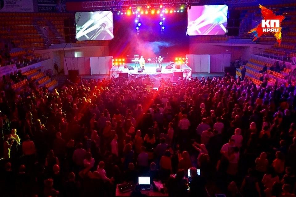Музыкальное шоу «Легенды «Ретро FM» прошло в Вологде