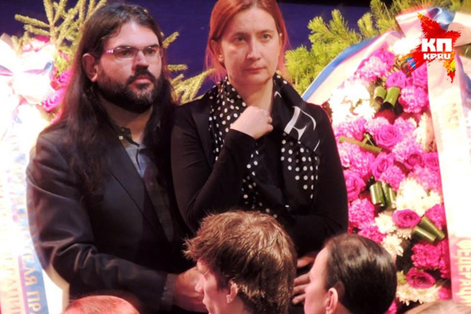 Дочь певицы Елена с мужем