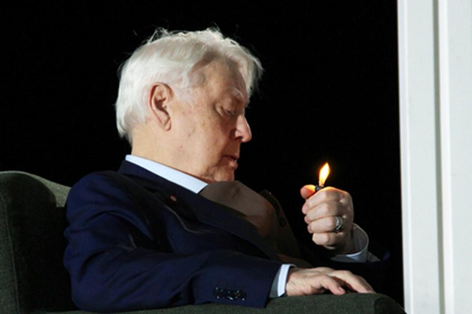Это премьера в МХТ им. Чехова, в которой Олег Павлович Табаков играет главную роль. Фото: mxat.ru