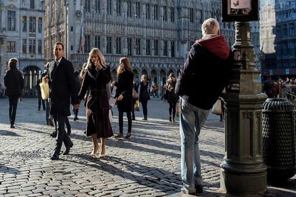 понял, китайцы фото людей на улицах европы космос бесконечность вечность