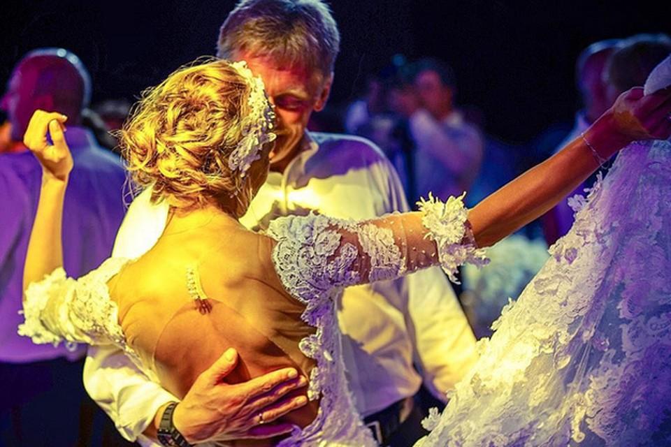 Татьяна Навка, проснувшись после торжества, решила порадовать читателей своего Инстаграма красивыми свадебными фото и видео