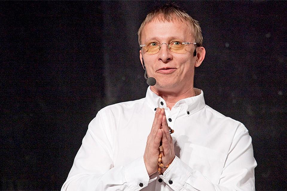 Известный актер, священник, многодетный отец Иван Охлобыстин рассказал Радио «Комсомольская правда» о своем новом фильме, службе в церкви и потребительстве