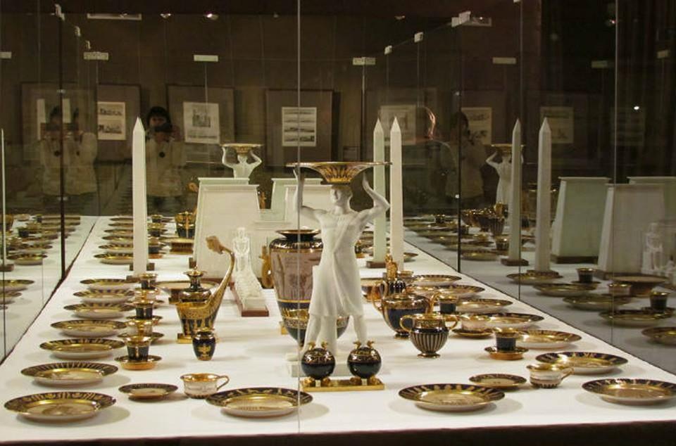 Ярославцы смогут увидеть Египетский сервиз, преподнесенный Наполеоном в дар Александру I. Фото: Лариса ДРАЧ.