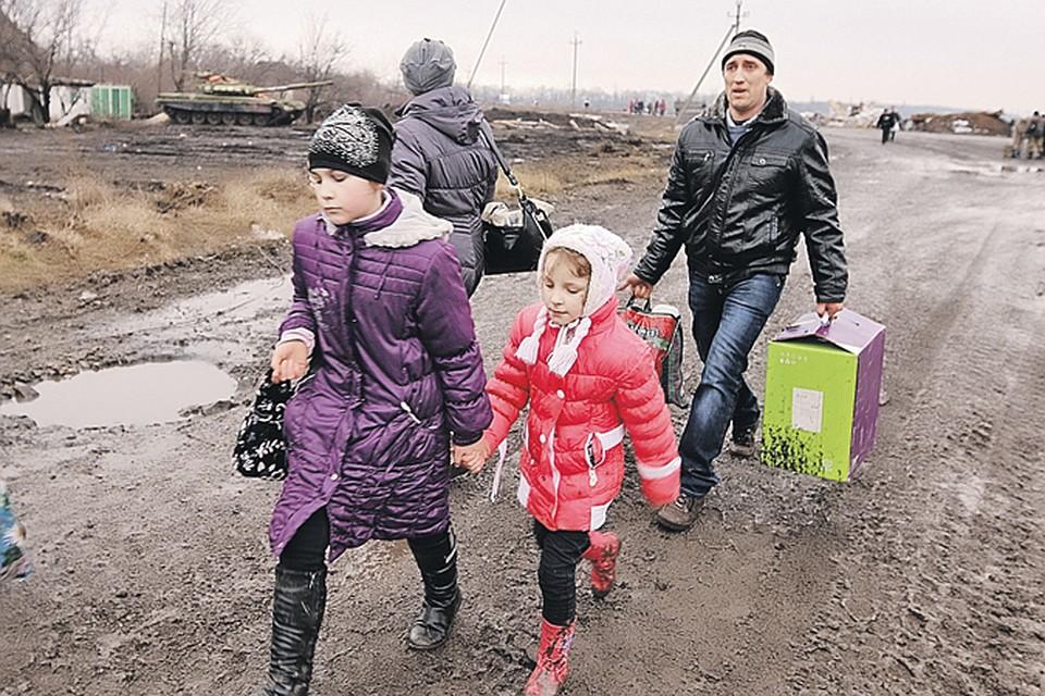 Более 1 миллиона жителей юго-востока Украины,  бежавших от войны и неонацистов в Россию, до сих пор находятся в нашей стране...