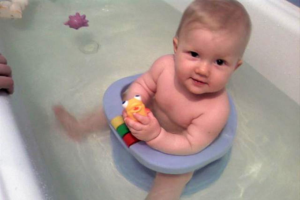 Очень удобное приспособление для деток, которые уже могут сидеть
