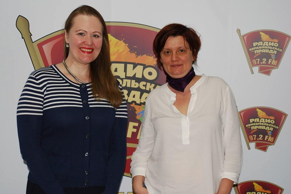 Алена Владимирская - эксперт по подбору персонала и Юлия Денисова - эксперт по интернет-маркетингу, журналист, автор обучающих курсов для фрилансеров (на фото слева) на Радио «Комсомольская правда»