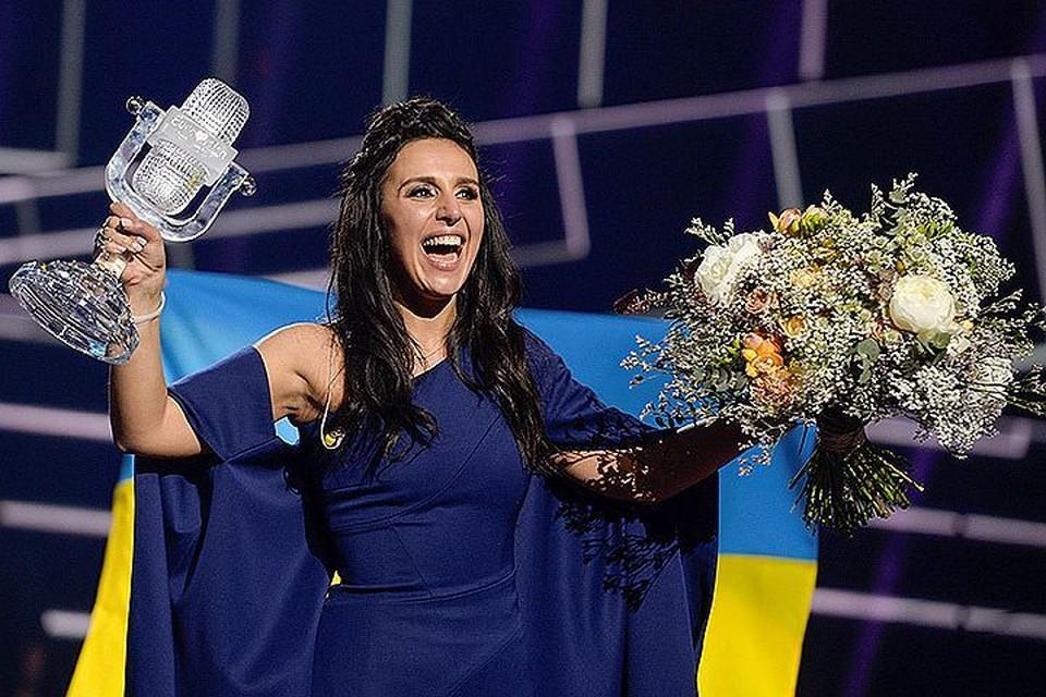 Певица Джамала с главным призом конкурса «Евровидение».