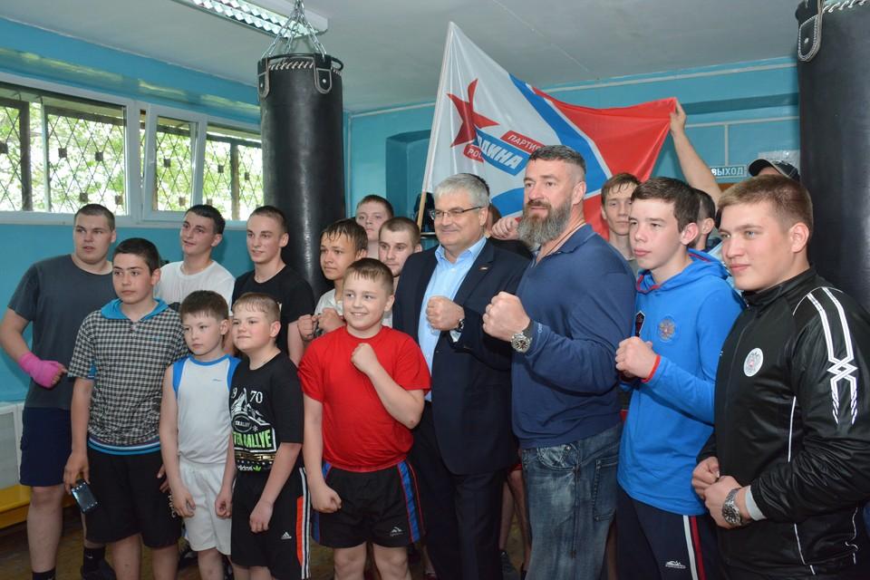 Сергей Бадюк, Вячеслав Илюхин и будущие чемпионы.