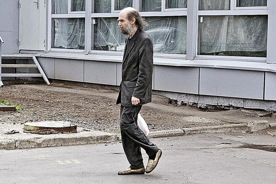 Корреспонденты «Комсомолки» попытались наведаться к Григорию Яковлевичу в гости, но тщетно.