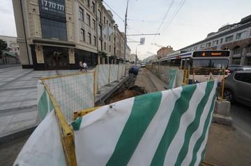 Корреспондент «КП» проехал по разрытому центру Москвы на велосипеде