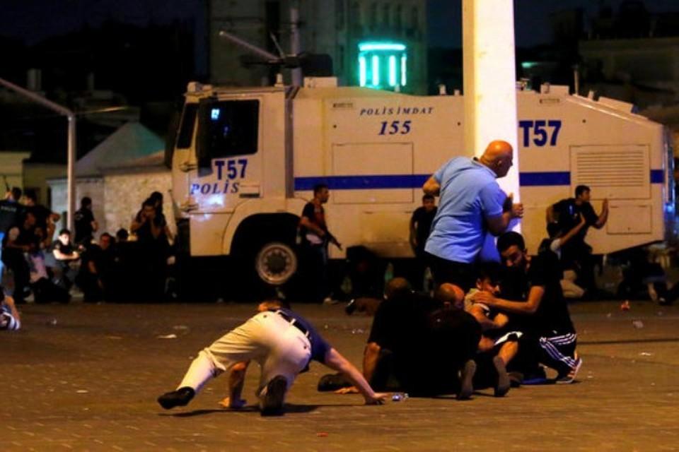 Сегодня в Стамбуле - зона боевых действий