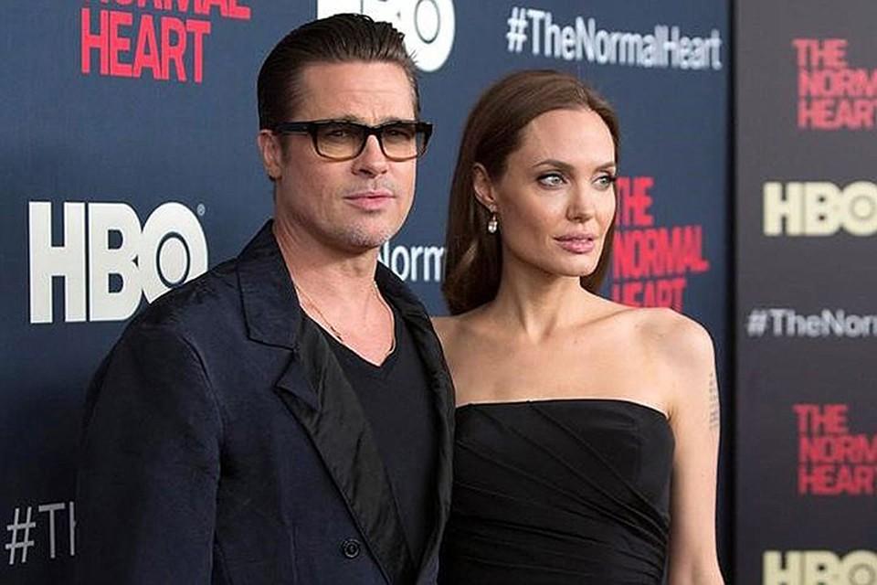 19 сентября Анджелина Джоли официально подала на развод с Брэдом Питтом