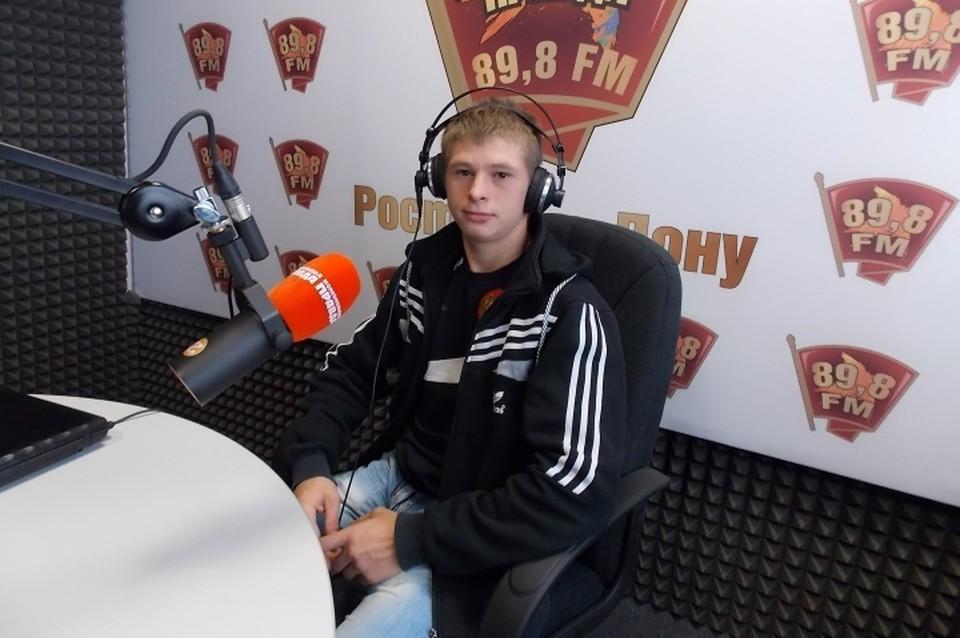 Василий впервые в жизни побывал в студии радио.