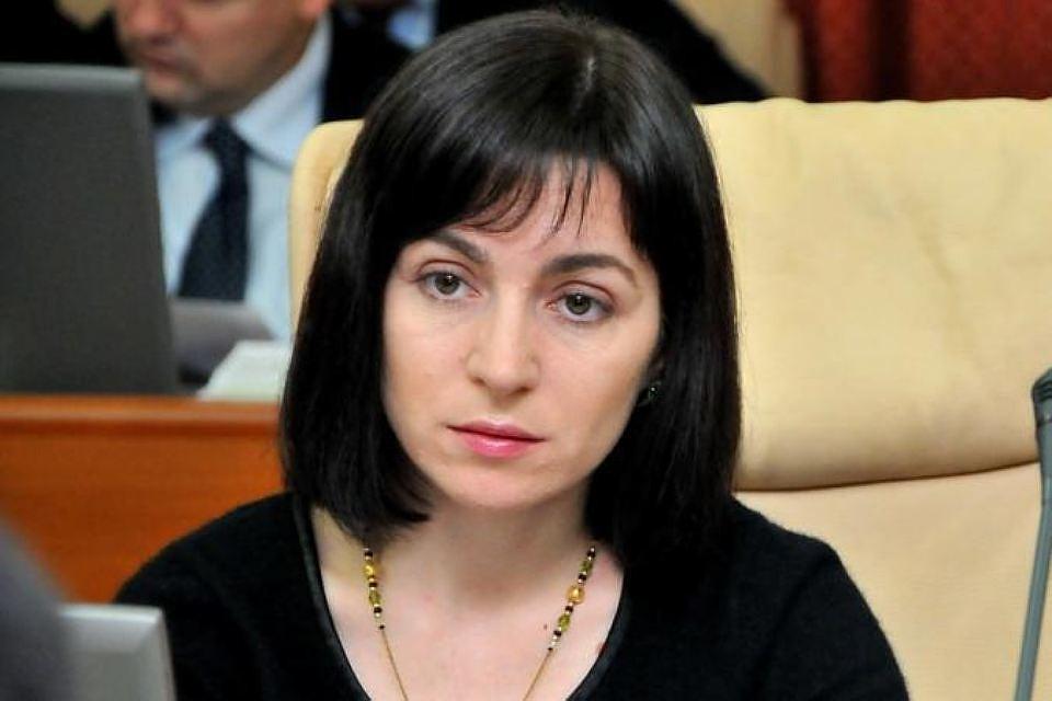 """Санду назвала """"стыдом и пощечиной"""" отказ переименовать госязык в Молдове на румынский"""