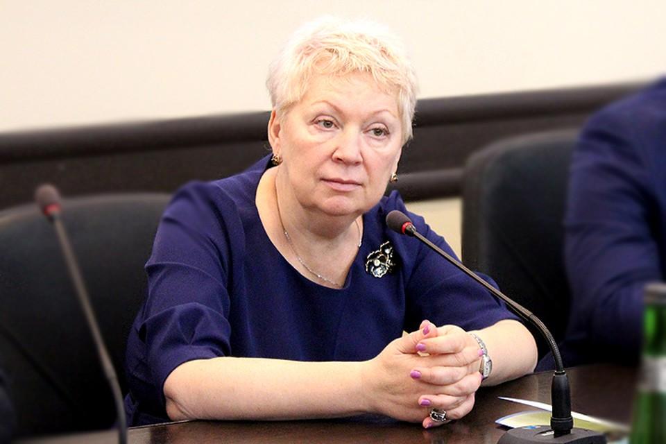 Министр образования Ольга Васильева требует от руководства вузов не сокращать часы по русскому языку.