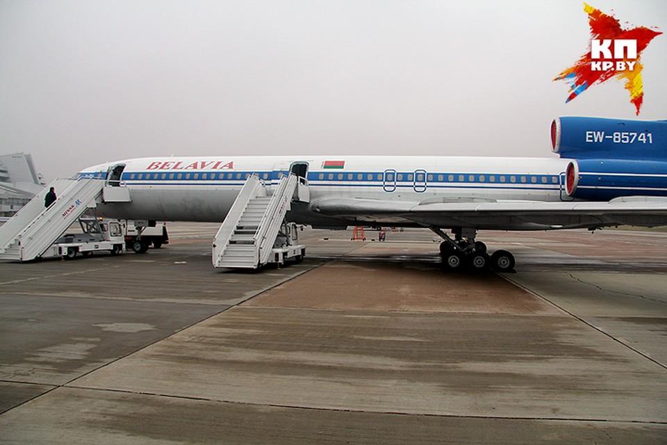 В Ту-154 попала шаровая молния, но экипаж смог дотянуть до аэродрома и спасти 160 пассажиров.