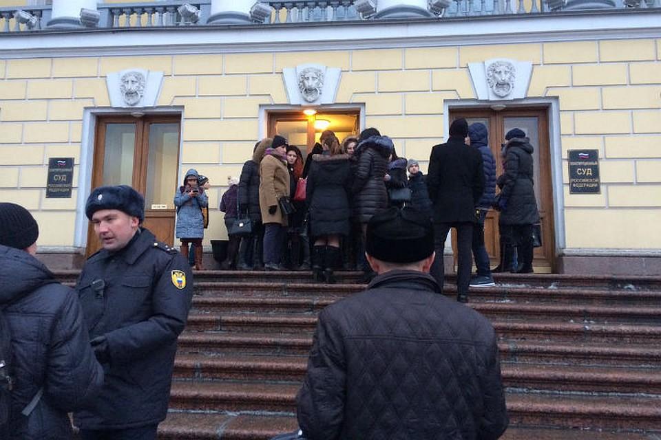 Адвокат по жилищным спорам Камышовый переулок вступление в наследство Черняховского улица