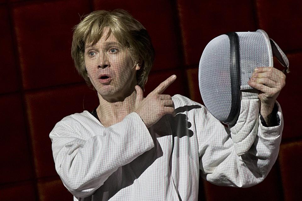 Миронов играет все роли — от Гамлета до Офелии включительно. Фото ТАСС/ Артем Геодакян