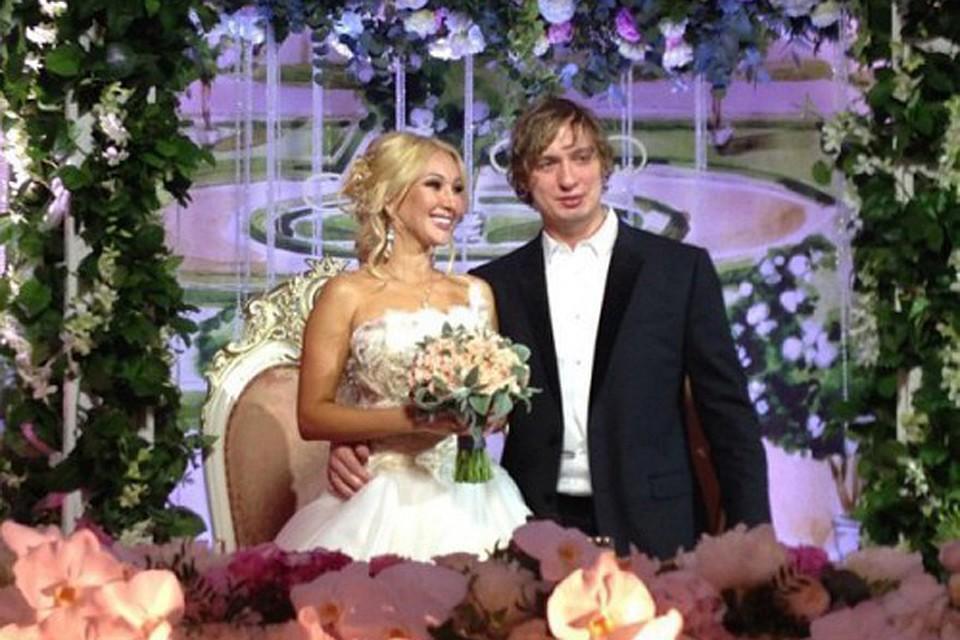 469a00ad141 Миллионы в брачной корзине  Сколько стоят свадьбы наших знаменитостей