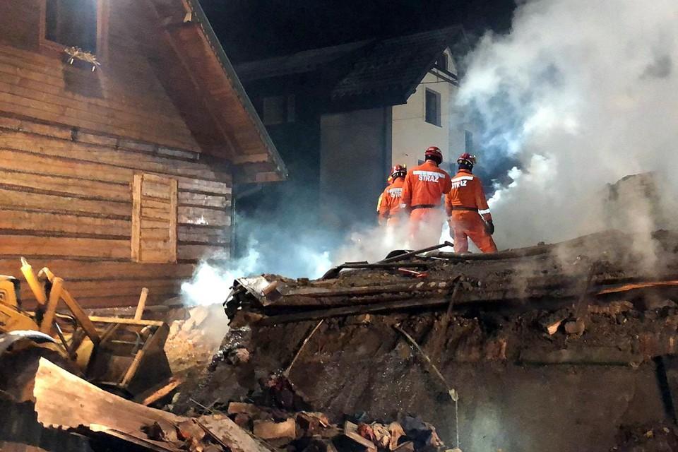 В жилом трехэтажном доме Польши произошел взрыв газа, который вызвал обрушение конструкций. Инцидент произошел в Шчырке Силезского воеводства страны