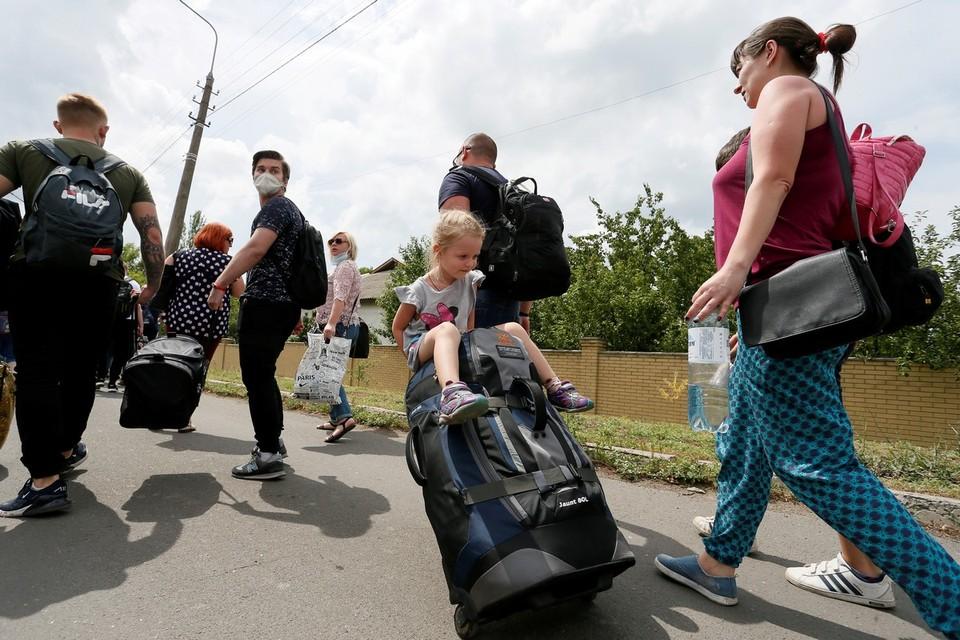Донецкая Народная Республика с 22 июня открыла контрольно-пропускные пункты с Украиной.
