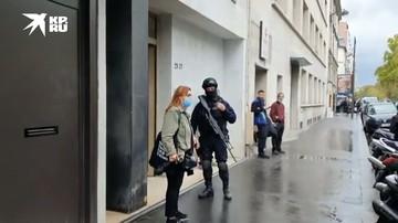 Несколько человек пострадали при нападении неизвестно недалеко от бывшей редакции Шарли Эбдо