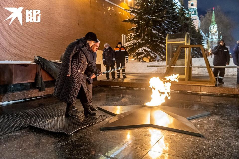 Профилактика  Вечного огня на Могиле Неизвестного Солдата в Александровском саду в преддверии Дня защитника Отечества