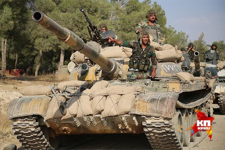 Заручившись поддержкой с воздуха, сирийские войска перешли в отдельных участках фронта в наступление на позиции террористов.