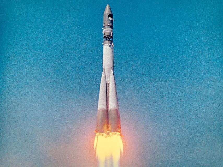 баночку, космический корабль гагарина фото компании