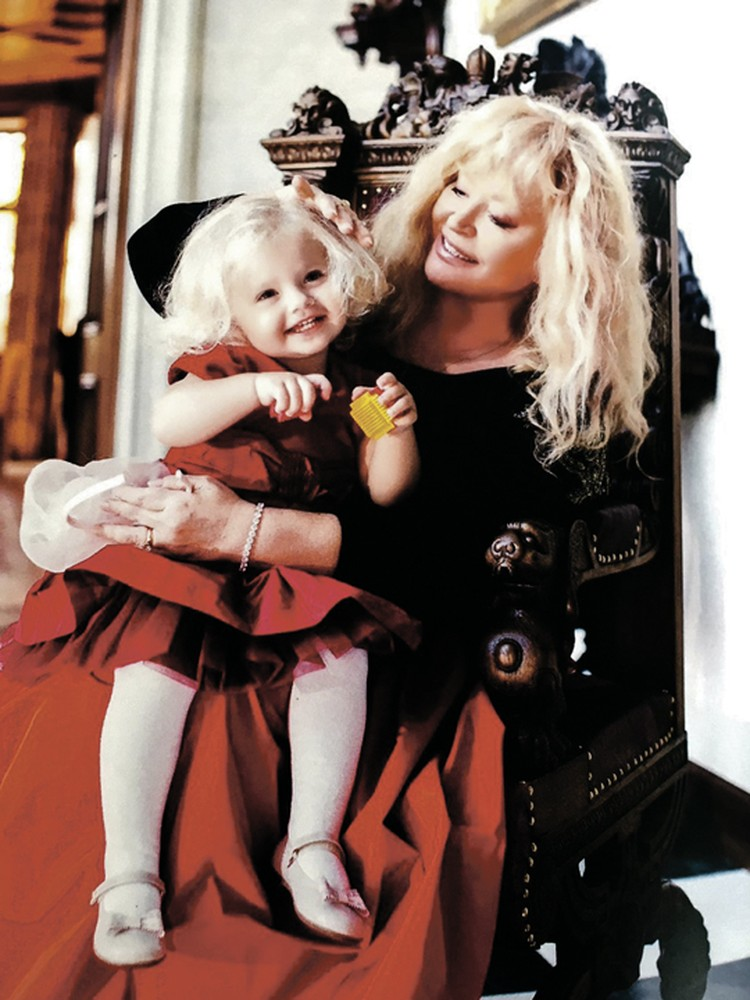 Алла Пугачева с дочерью Лизой.