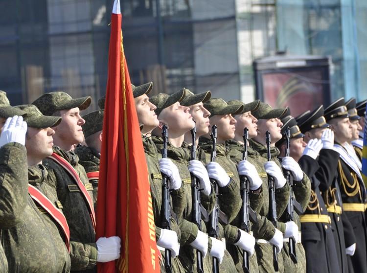 Торжественный парад войск начнется в 10 утра.