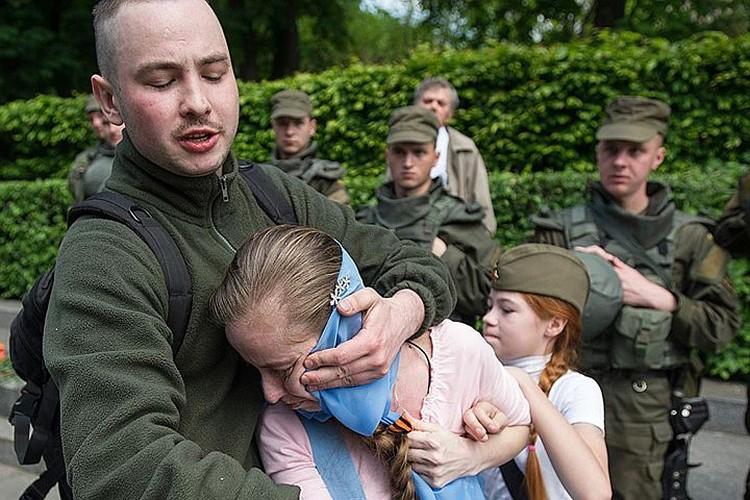 На них напали так называемые «патриоты Украины». ФОТО: Alexey Furman/Anadolu Agency/Getty Images