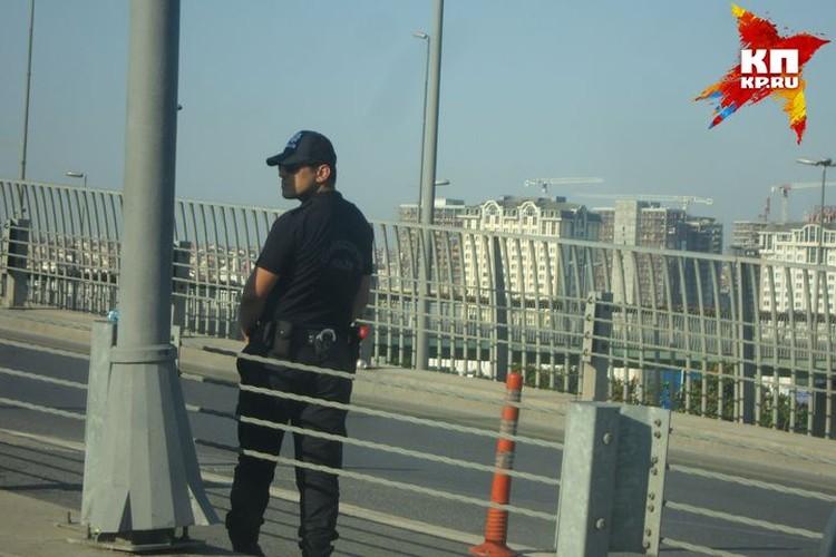 Рядом с аэропортом много полицейских. Фото предоставлено героям публикации.