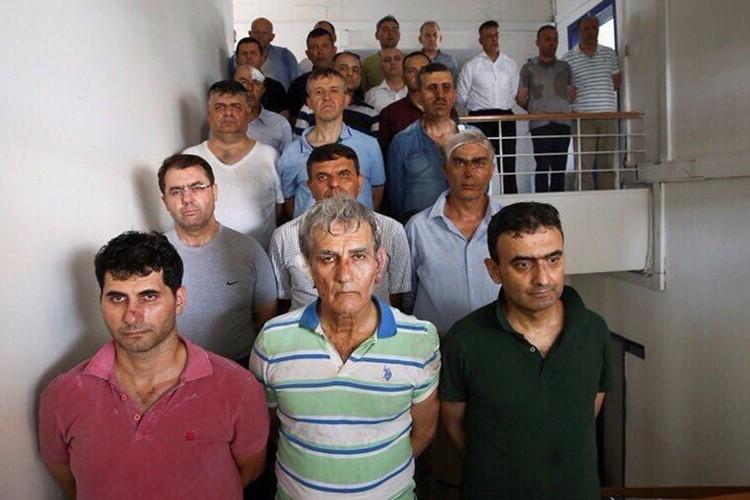 Бывший глава ВВС Турции Акин Озтюрк и другие лидеры мятежа после допросов