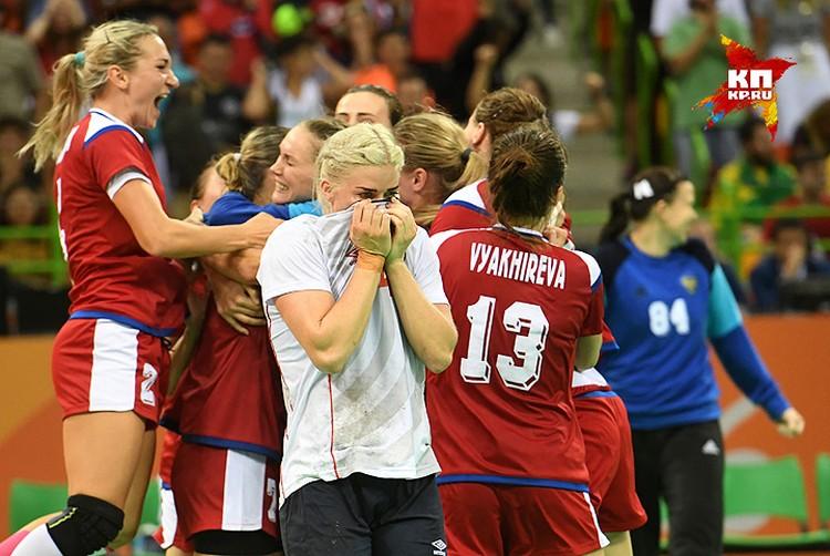 Россия в финале олимпийского турнира по гандболу!