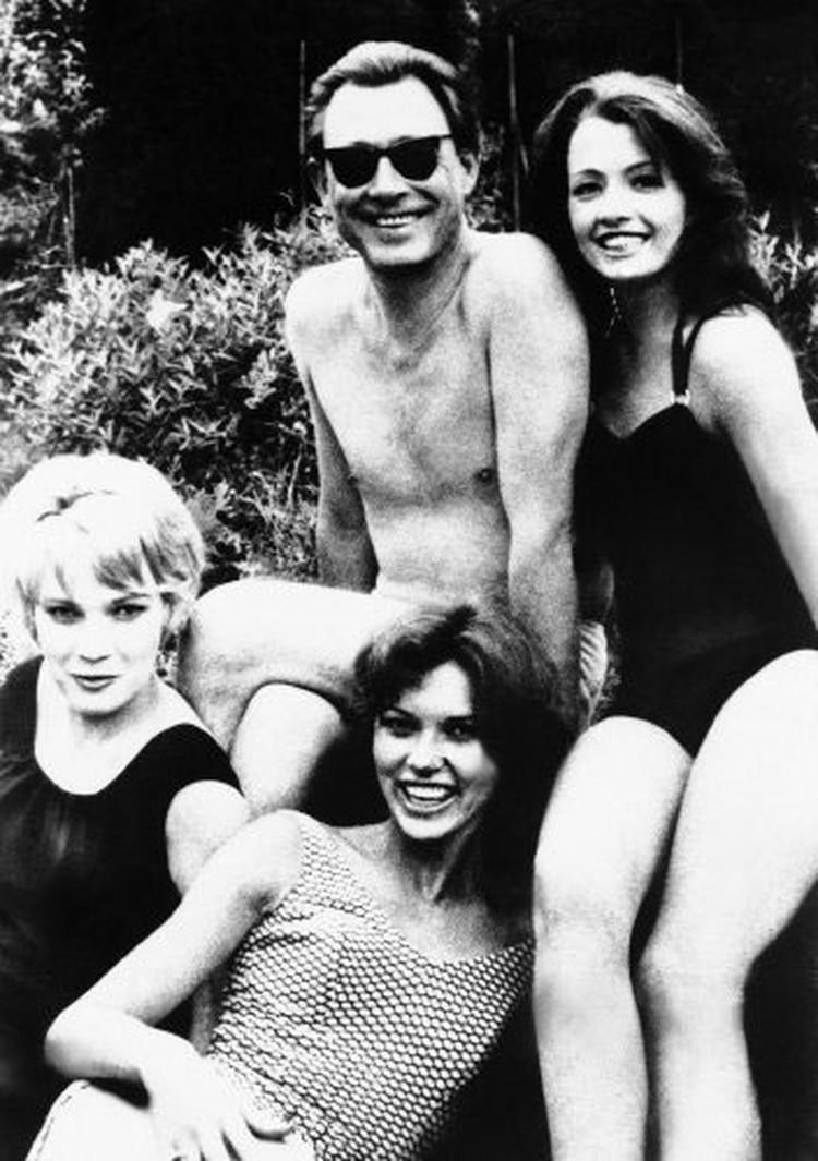 Доктор Уард и команда его девушек