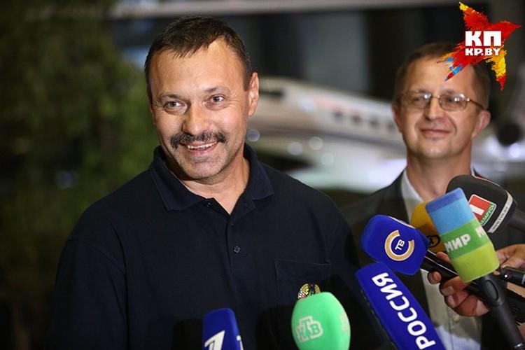 В минском аэропорту Фомочкина встречали российские и белорусские журналисты.