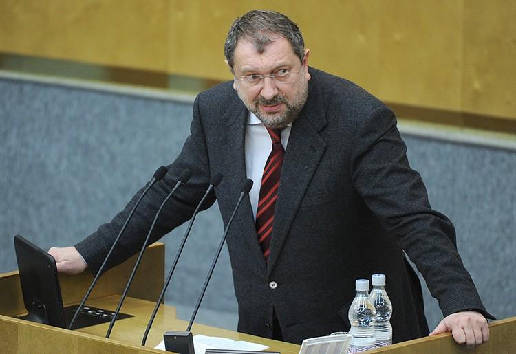 Единственным самовыдвиженцем стал Владислав Резник. Фото ТАСС/ Сергей Фадеичев