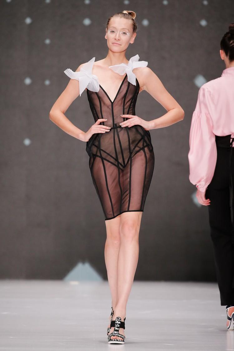 Коллекцией «Белая Ворона» в столице открылась традиционная Неделя Моды Mercedes Benz Fashion Week. Фото: пресс-служба дизайнера
