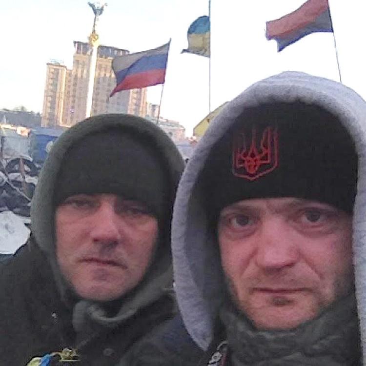 """Спецкоррам """"КП"""" приходилось в дни Майдана маскироваться: носить украинскую символику на одежде."""