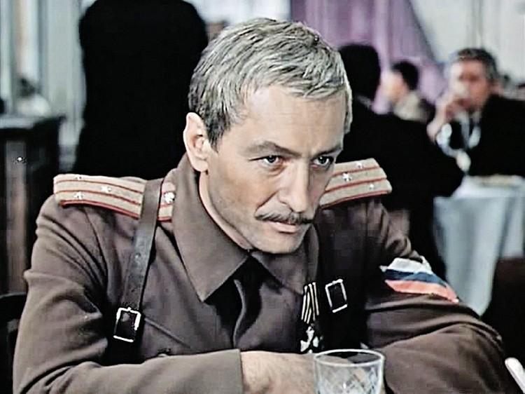 Михаил Ножкин.