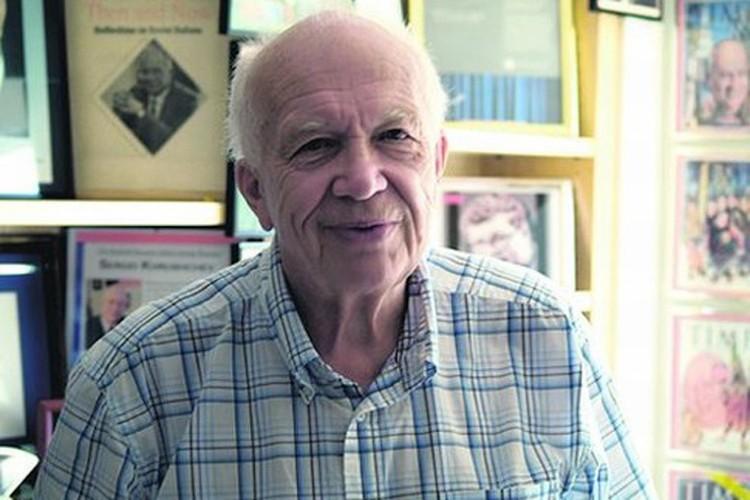 Профессор политологии Сергей Хрущёв специализируется на теме истории холодной войны и твердо уверен - Третья мировая война сейчас невозможна