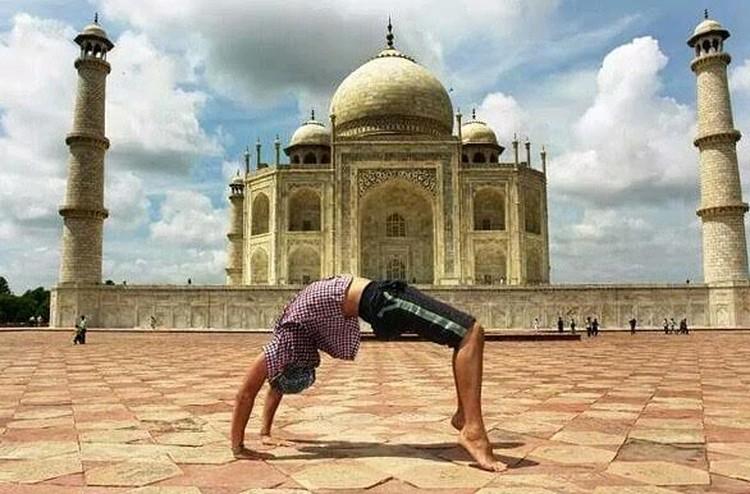 Снимок на память о путешествии в Индию.