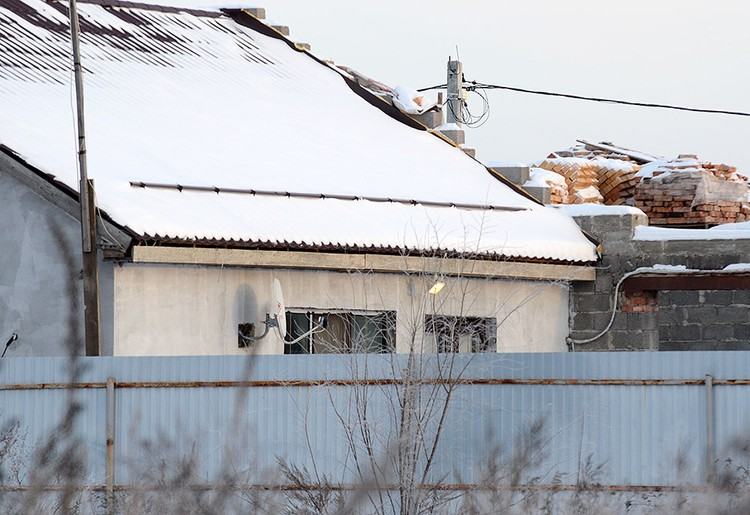 В этом доме жила чета Вашуркиных, пока велось строительство нового дома.