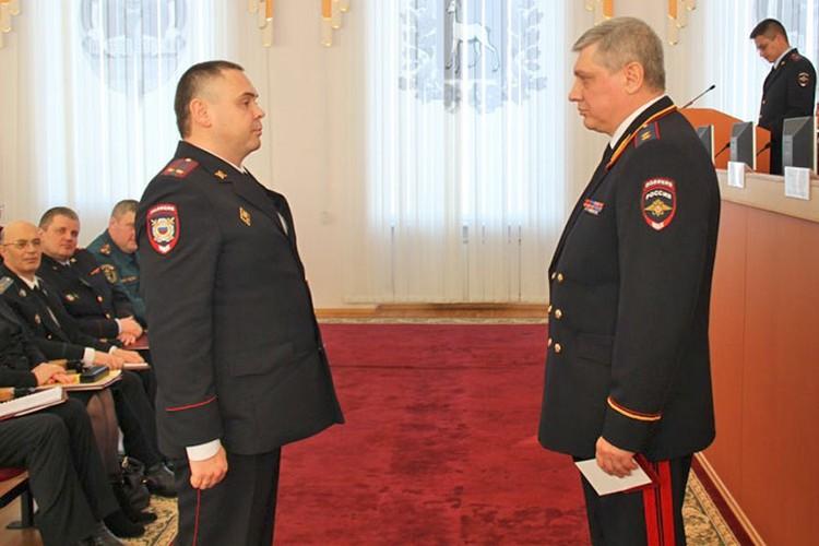 В 2013 году Дмитрий Вашуркин, будучи начальником полиции Чапаевска, был награжден медалью «За боевое содружество».