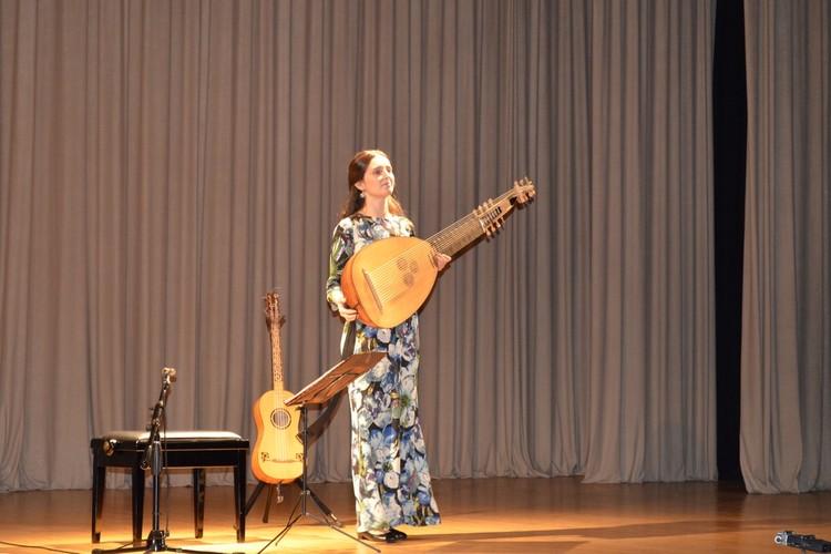 В Липецке на старинных инструментах звучала эпохи музыка