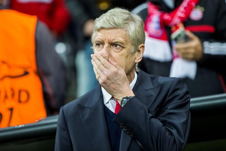 Арсен Венгер снова в незадачливом положении. Фото: Getty