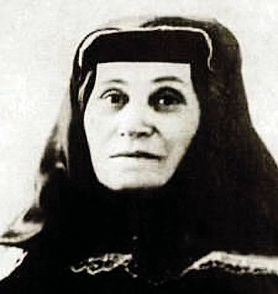 Кеке мечтала, чтобы ее сын стал священником. Фото: ru.wikipedia.org